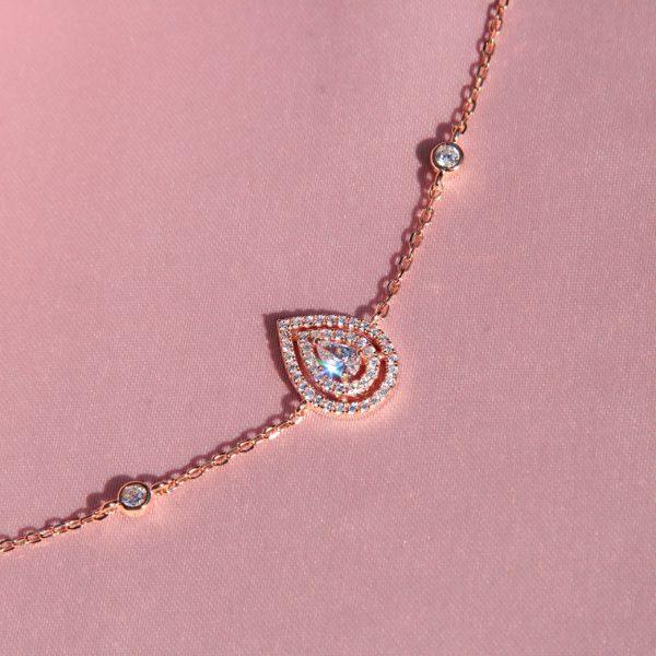 bracelet-poire-chaine-plaque-or-rose-zirconiums