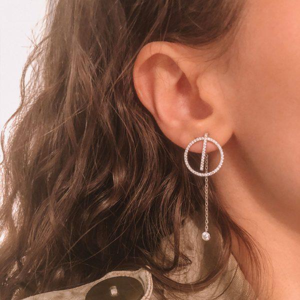 boucles-d-oreilles-cercle-avec-barre-chaine-argent