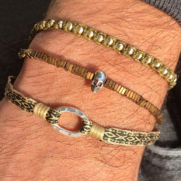 bracelet-fin-macrame-homme-kaki-billes-argent