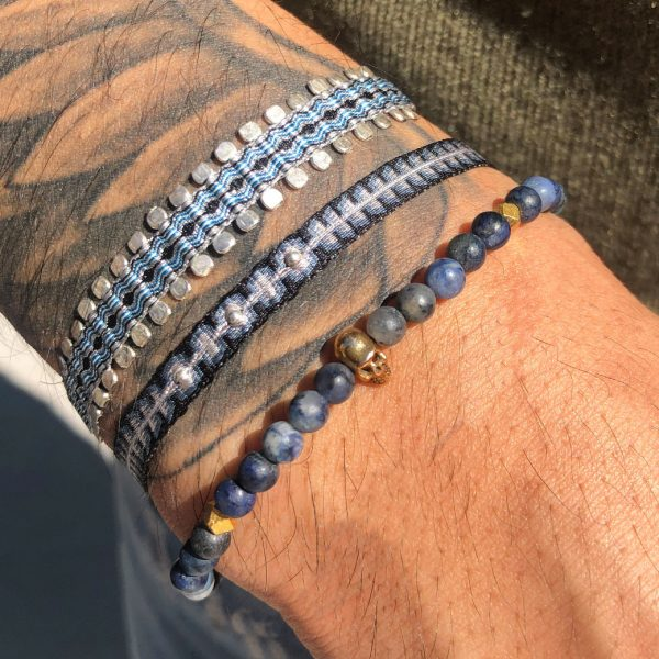 bracelet-homme-pierres-bleu-crane-dore
